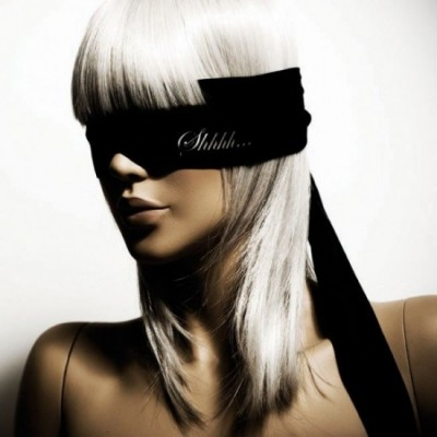 Bijoux Indiscrets Shhh - saténová páska na oči  - černá